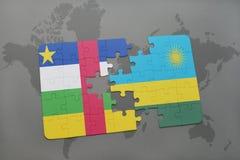 confunda com a bandeira nacional de Central African Republic e de rwanda em um mapa do mundo Fotografia de Stock Royalty Free