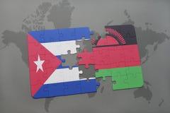 confunda com a bandeira nacional de Cuba e de malawi em um fundo do mapa do mundo Fotografia de Stock