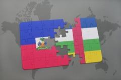 confunda com a bandeira nacional de haiti e de Central African Republic em um mapa do mundo Fotos de Stock Royalty Free