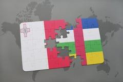 confunda com a bandeira nacional de malta e de Central African Republic em um mapa do mundo Fotos de Stock