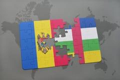 confunda com a bandeira nacional de moldova e de Central African Republic em um mapa do mundo Fotos de Stock Royalty Free