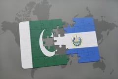 confunda com a bandeira nacional de Paquistão e de El Salvador em um fundo do mapa do mundo Imagens de Stock Royalty Free