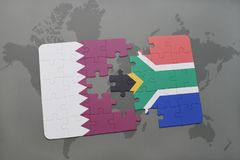 confunda com a bandeira nacional de qatar e de África do Sul em um fundo do mapa do mundo Imagem de Stock Royalty Free