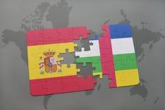 confunda com a bandeira nacional de spain e de Central African Republic em um fundo do mapa do mundo Imagem de Stock