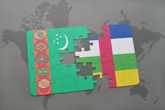 confunda com a bandeira nacional de turkmenistan e de Central African Republic em um mapa do mundo Imagens de Stock Royalty Free
