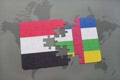 confunda com a bandeira nacional de yemen e de Central African Republic em um mapa do mundo Imagens de Stock