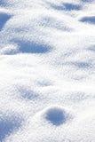 Congère blanche bleuâtre, neige Images stock