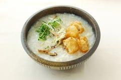 Congee com olmo & galinha imagem de stock