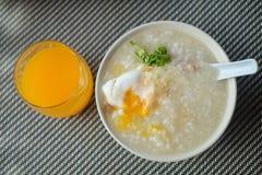 Congee con l'uovo Fotografia Stock Libera da Diritti