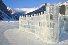 Congele o castelo em Lake Louise Fotografia de Stock