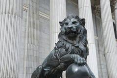 congreso de deputados lion los madrid spain Royaltyfri Fotografi