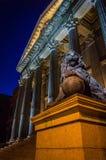 Congreso DE los diputados in Madrid bij nacht Stock Afbeeldingen
