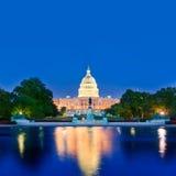 Congreso del Washington DC de la puesta del sol del edificio del capitolio Foto de archivo libre de regalías