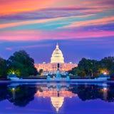 Congreso del Washington DC de la puesta del sol del edificio del capitolio Fotografía de archivo