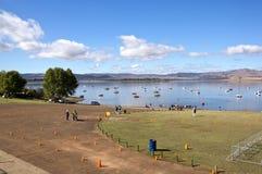 Coni arancio che segnano corso del triathlon alla diga di Midmar Immagine Stock Libera da Diritti