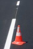 Coni brindled bianchi rossi di traffico Fotografia Stock