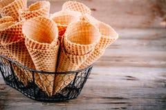 Coni della cialda del gelato Immagini Stock