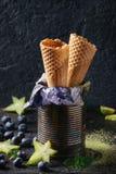 Coni della cialda per il gelato fotografie stock libere da diritti