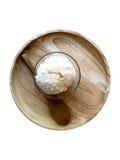Coni di gelato della fragola, del cioccolato, della vaniglia e del pistacchio sopra priorità bassa bianca immagini stock libere da diritti