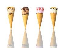 Coni gelati isolati su fondo bianco Fotografia Stock Libera da Diritti