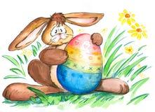 Coniglietto di pasqua con l'uovo Fotografie Stock Libere da Diritti