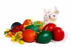 Coniglietto di pasqua ed uova di Pasqua. Fotografie Stock Libere da Diritti