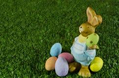 Coniglietto ed uova di pasqua immagine stock libera da diritti