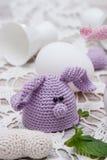Coniglietto sveglio per le uova di Pasqua Fotografie Stock