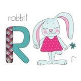 Coniglio sveglio con gli occhi chiusi in vestito rosa Immagine Stock