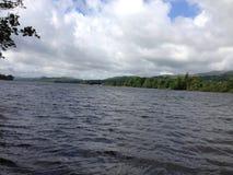 coniston cumbria地区英国许多湖的湖一s水 库存照片