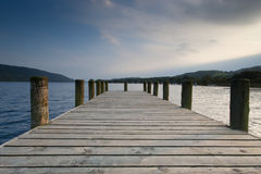 Coniston Pier - See-Bezirk Lizenzfreie Stockfotos