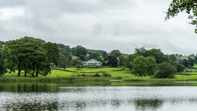 CONISTON WATER, LAKE DISTRICT/ENGLAND - AUGUST 21 : Large House Stock Photo