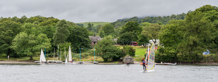 CONISTON WATER, LAKE DISTRICT/ENGLAND - AUGUST 21 : People Winds Stock Photography