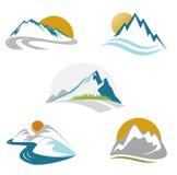 Conjunto azul del emblema de las montañas Fotos de archivo libres de regalías