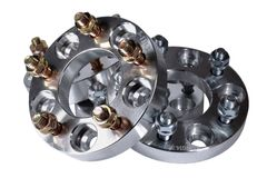 Conjunto completo de quatro espaçadores novos da roda do metal com porcas 114 3x5 20mm e 25mm Trituração do CNC e indústria do to Imagens de Stock