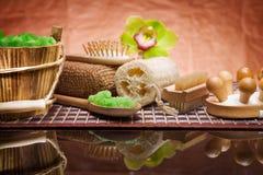 Conjunto de accesorios naturales del baño Fotografía de archivo libre de regalías