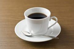 Conjunto de café en el vector de madera. Imágenes de archivo libres de regalías