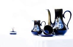 Conjunto de café en porcelana azul Foto de archivo libre de regalías