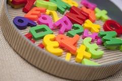 Conjunto de cartas y de dígitos magnéticos Fotografía de archivo