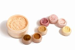 Conjunto de cosméticos multicolores Imagen de archivo libre de regalías