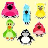 Conjunto de etiquetas engomadas Pájaros en estilo de la historieta Stock de ilustración