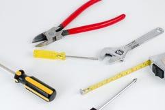 Conjunto de herramientas de la construcción aisladas en un blanco Foto de archivo