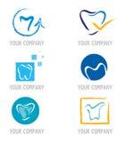 Conjunto de iconos y de elementos del diente para el diseño de la insignia Imágenes de archivo libres de regalías