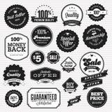 Conjunto de insignias y de etiquetas engomadas para la venta ilustración del vector