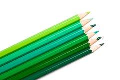 Conjunto de lápices coloreados, gama de colores verde Fotografía de archivo