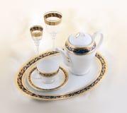 Conjunto de loza de cerámica y de cristal Foto de archivo libre de regalías