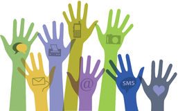 Conjunto de manos con los iconos de la comunicación. Fotos de archivo libres de regalías