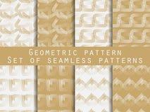 Conjunto de modelos inconsútiles geométricos Oro y color plata Para el papel pintado, ropa de cama, tejas, telas, fondos Foto de archivo libre de regalías