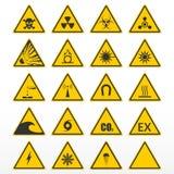 Conjunto de señales de peligro Triángulos amarillos como símbolos del peligro Imagen de archivo