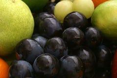 Conjunto de uva y de frutas Imagen de archivo libre de regalías